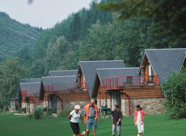 Vakantiepark Val d'Arimont - Christelijke vakantieparken en ...: vakanz.nl/vakantieparken/vakantiepark-val-d-arimont_41660
